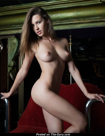 Image. Naked hot lady with natural tittys image