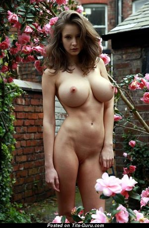 Naked amazing girl photo