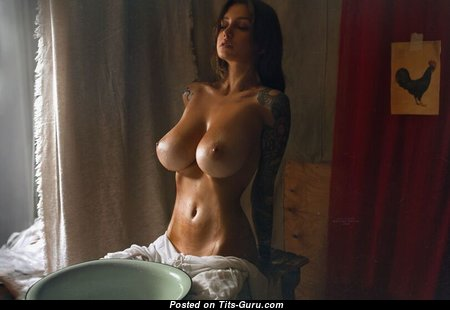 Appealing Topless Babe with Huge Nipples (Xxx Wallpaper)