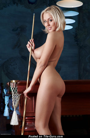 Image. Mandy Dee - naked blonde with medium tittes image