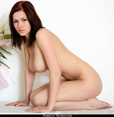 Image. Iga Wyrwal - naked beautiful girl with medium natural tits picture