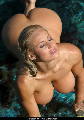Image. Sexy wet nude blonde with big natural tittys and big nipples image