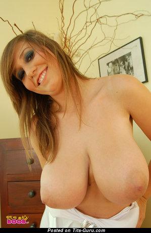 Изображение. Milena - фото невероятной обнажённой тёлки с большой натуральной грудью