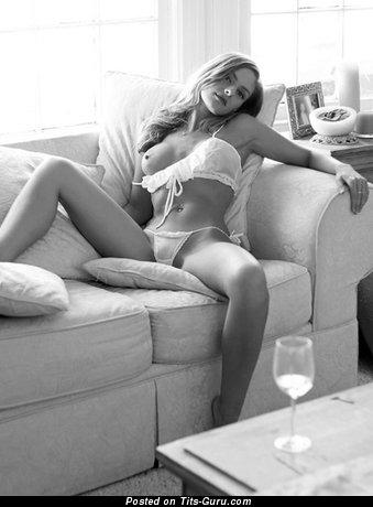Изображение. Фотка сексуальной раздетой женщины
