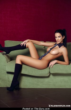 Nice Woman with Nice Nude Tight Boobies (Sex Pic)