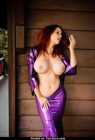 Pleasing Glamour Undressed Babe with Red Nipples (Sexual Photo)