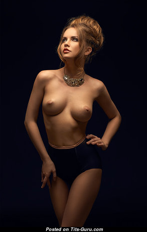 Adorable Babe with Adorable Nude Natural Normal Tittys (Xxx Pic)