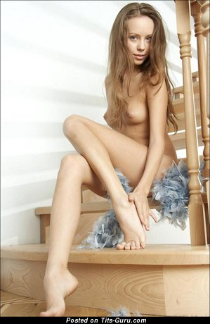 Image. Naked hot woman with medium natural tittys picture