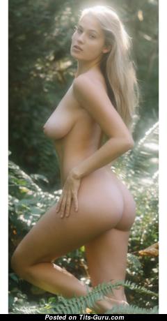 Megan Moore - Fascinating Unclothed Playboy Blonde (Xxx Image)
