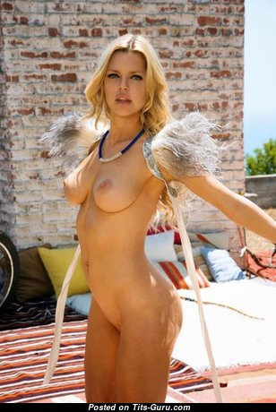 Graceful Babe with Graceful Open Real Tight Boobie (18+ Foto)