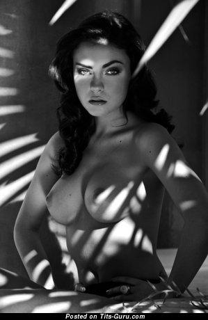 Image. Naked awesome lady with medium tittes photo
