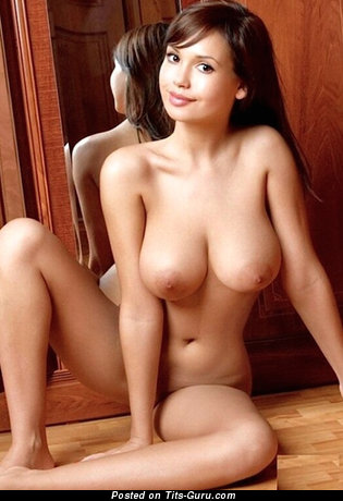 Alona - Grand Ukrainian Girl with Grand Open Natural Dd Size Tittys (Sex Picture)