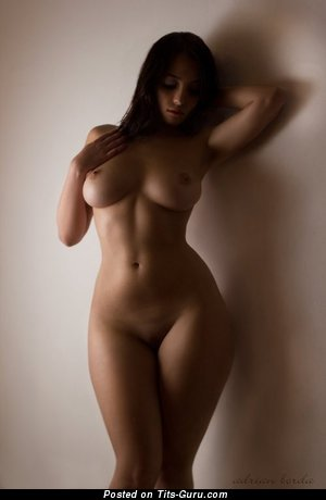 Nude hot lady with big natural tittys picture