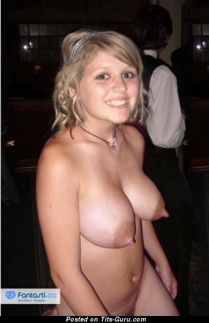 Sweet Blonde with Sweet Bald Natural Medium Sized Tittys (Amateur Xxx Photo)