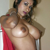 Nice female with big natural tittes picture