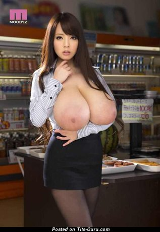 Hitomi Tanaka - sexy nude asian brunette with huge boobies image