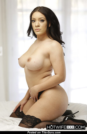 Violet Smith - Elegant Topless Gal with Elegant Exposed Real Tits (Hd 18+ Image)