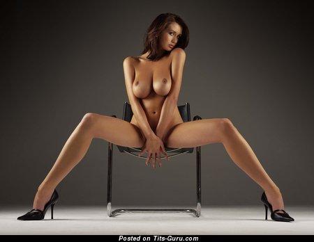 упругие тела девушек порно фото