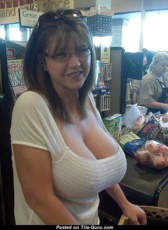 M.i.l.f: одетая жена, домохозяйка, заучка, красотка и мамочка с обалденными натуральными выдающимися грудями (личная эротическая фотка)