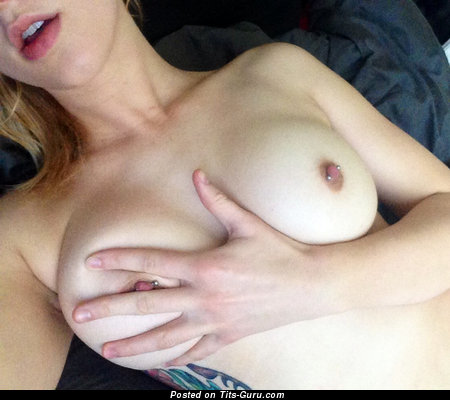 Image. Naked wonderful woman with big natural tittes pic