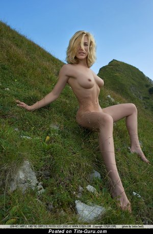 Magnificent Gal with Magnificent Exposed Natural C Size Boobies (Sex Photo)