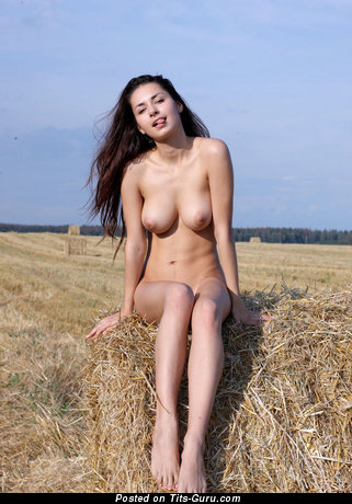 Sweet Topless Brunette Babe with Sweet Bare Real Medium Knockers & Huge Nipples (Hd 18+ Pix)