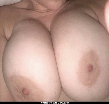 Lori38dd - Nice Undressed Miss (on Public Sex Image)