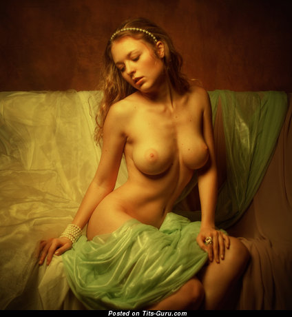 Graceful Dame with Graceful Exposed Very Big Tits (Sex Foto)