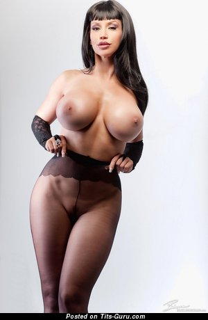 Image. Bianca Beauchamp - sexy naked brunette with big fake breast photo
