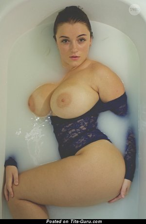 Tiffany Cappotelli - Fascinating Wet American Brunette Babe with Fascinating Open Real Very Big Tittys (Hd Xxx Picture)