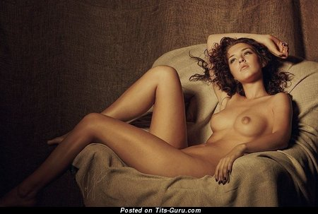 Image. Nude awesome woman with medium natural breast image
