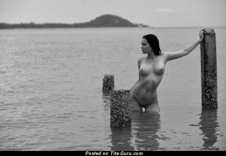 Image. Nude hot woman with medium breast picture