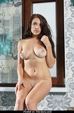 Image. Niemira - naked nice lady with medium natural boobs picture