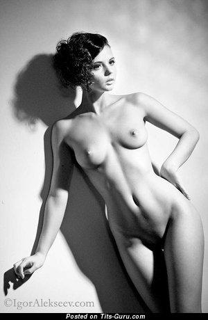 Фотография красивой обнажённой чувихи