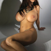 Nice lady with huge fake tittes pic