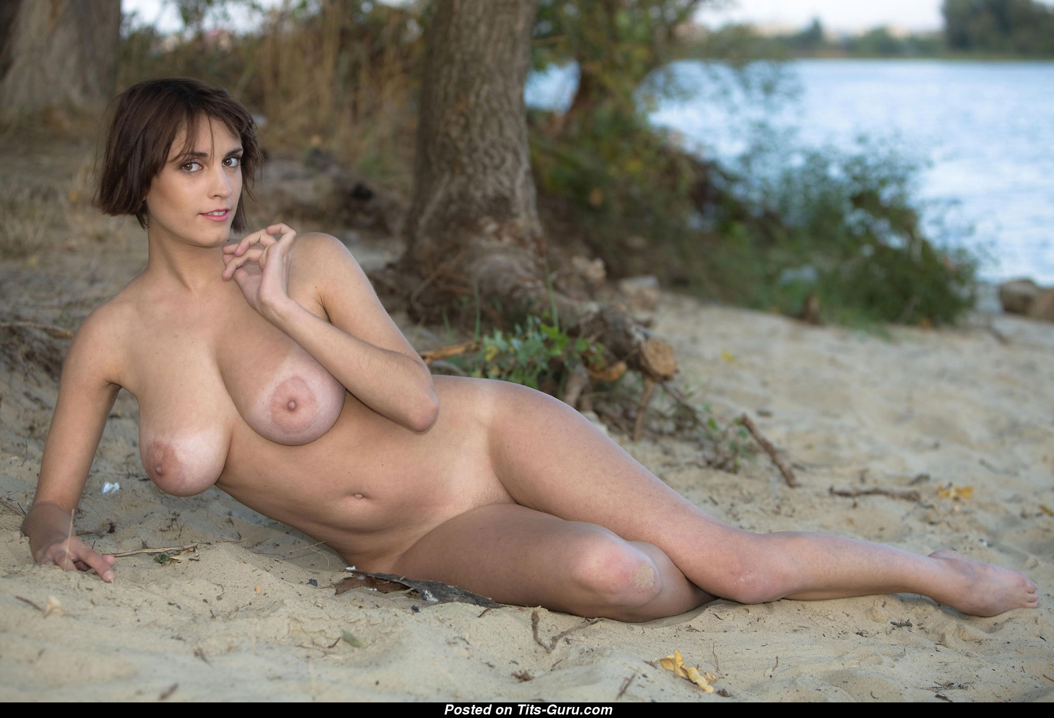 Nude Awesome Girl With Big Natural Boobs Image 1434696144548-6432