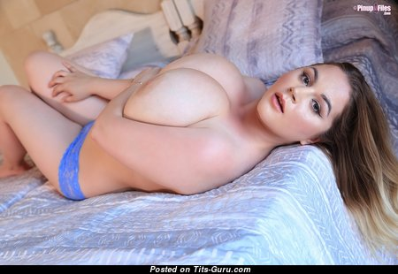 Holly Garner - Marvelous Topless Dish with Marvelous Defenseless Natural Very Big Knockers (Hd 18+ Foto)