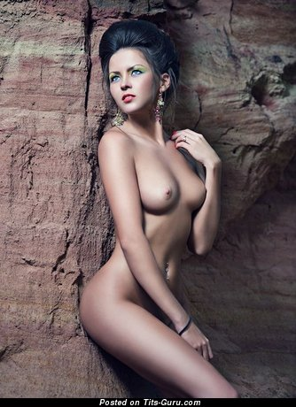 Image. Nude awesome lady with natural tittes pic