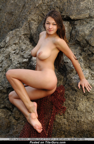 Mariya Antsibonenko (aka Sofi A.) - Splendid Glamour & Topless Brunette with Splendid Bald Natural Mid Size Tit, Large Nipples, Tan Lines (18+ Pix)
