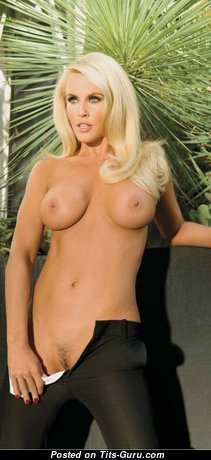 Jenny Mccarthy - Pleasing Topless American Playboy Blonde Babe & Actress with Sexy Open Natural Very Big Boobys is Undressing (Hd Sex Pix)