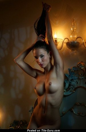 Image. Naked amazing girl with medium tittes picture