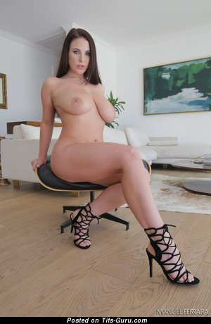 Angela White: naked hot female with big natural boobs picture