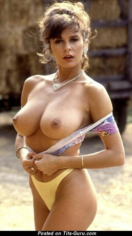 Donna Ewing - Exquisite Babe with Exquisite Nude Natural Medium Boobys (Xxx Photoshoot)