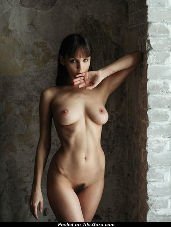 Lovely Topless Brunette Babe with Beautiful Open Real Knockers (Hd Porn Foto)