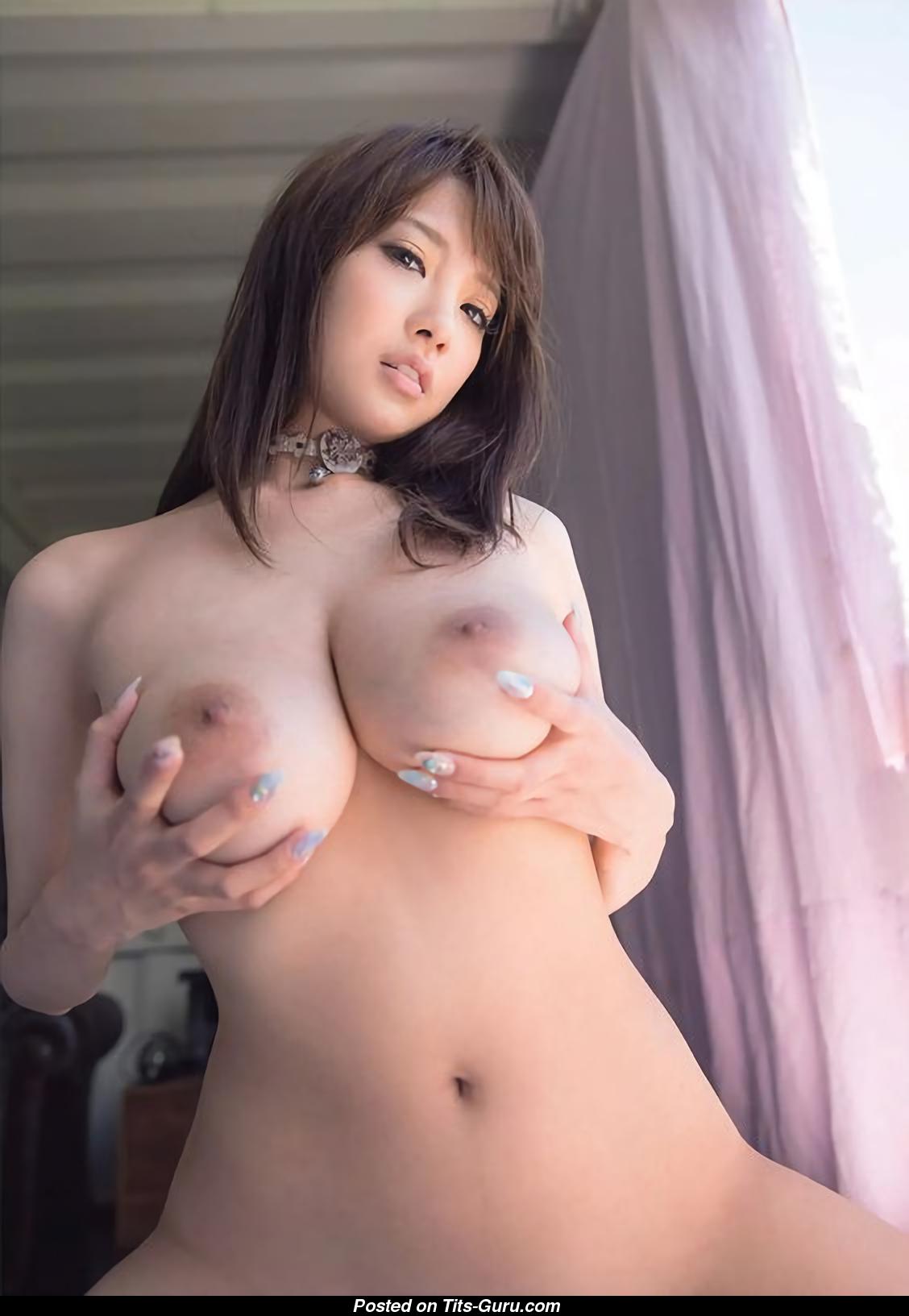 fascinating japanese nude girl