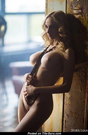 Eva Kari - Pretty Nude Blonde (Hd Xxx Image)