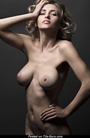 Appealing Glamour Babe with Appealing Nude Natural Boobies & Large Nipples (18+ Picture)