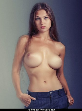 Sexy naked awesome female with medium tittes pic