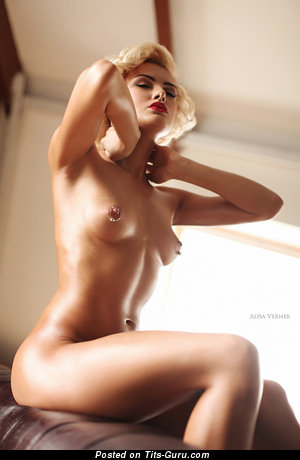 Alisa Verner - Grand Blonde Babe with Grand Bare Natural Short Knockers (18+ Photo)