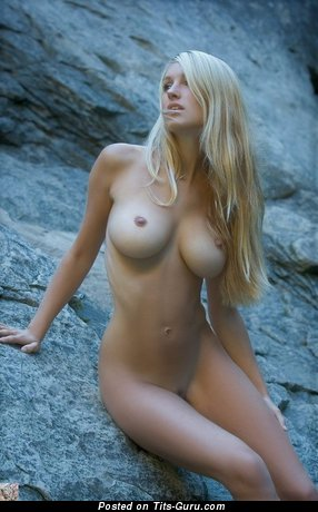 Daniela Rosch - sexy nude blonde with medium boobies picture